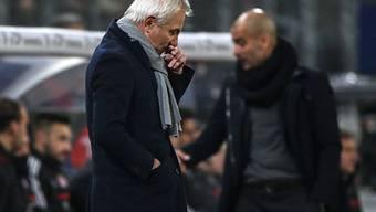 HSV-Trainer Bert van Marwijk erlebte erneut einen tristen Abend