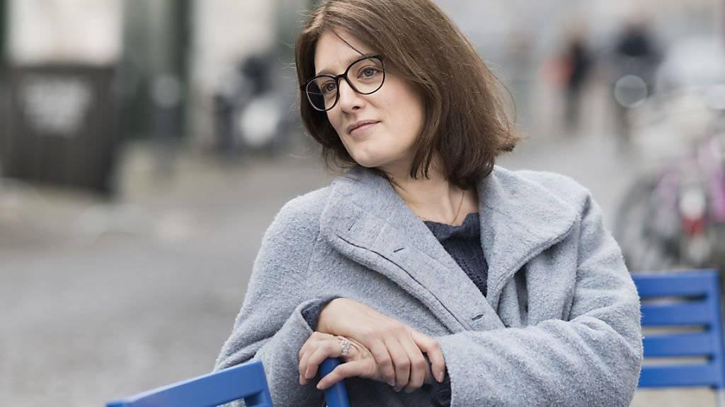 Musste einen neuen Blick auf ihre eigenen Eltern finden, um wieder in ihre Rolle als Regisseurin schlüpfen zu können: Fanny Bräuning an den Solothurner Filmtagen. (KEYSTONE/Alessandro della Valle)
