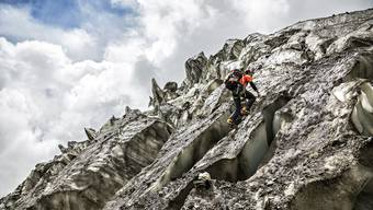 Ueli Steck bezwingt die Annapurna auf der Südseite