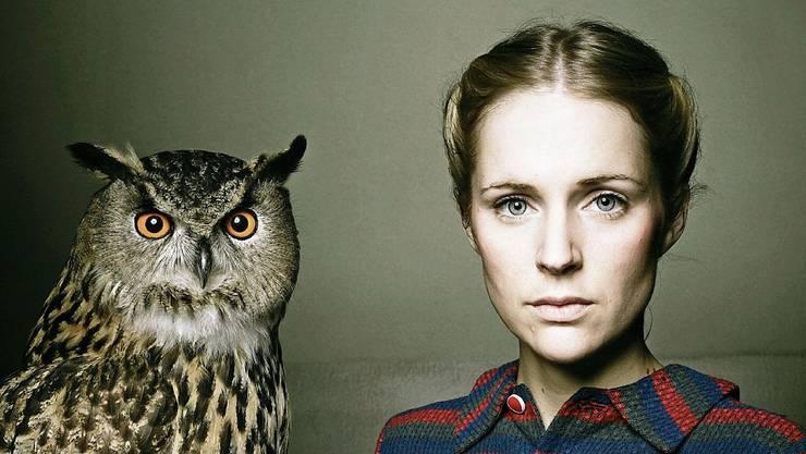 Die 39-jährige Sängerin Agnes Obel mag Eulen.