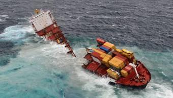 Havarierter Frachter vor Küste Neuseelands