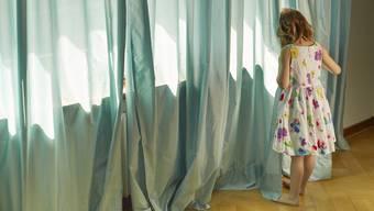 Ein Mann aus Winterthur belästigte ein neun- und ein sechsjährige Mädchens. (Symbolbild)