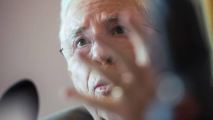 """Christoph Blocher, Komitee-Praesident und alt-Bundesrat, spricht an der Medienkonferenz des Komitees """"Nein zum schleichenden EU-Beitritt""""."""