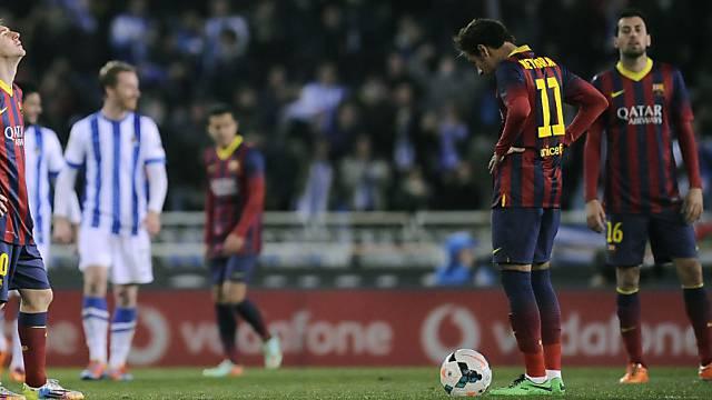 Hängende Köpfe beim FC Barcelona nach der 1:3-Niederlage