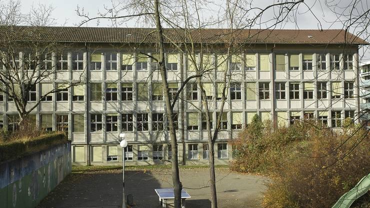 Schulhaus Schibler in Neuenhof