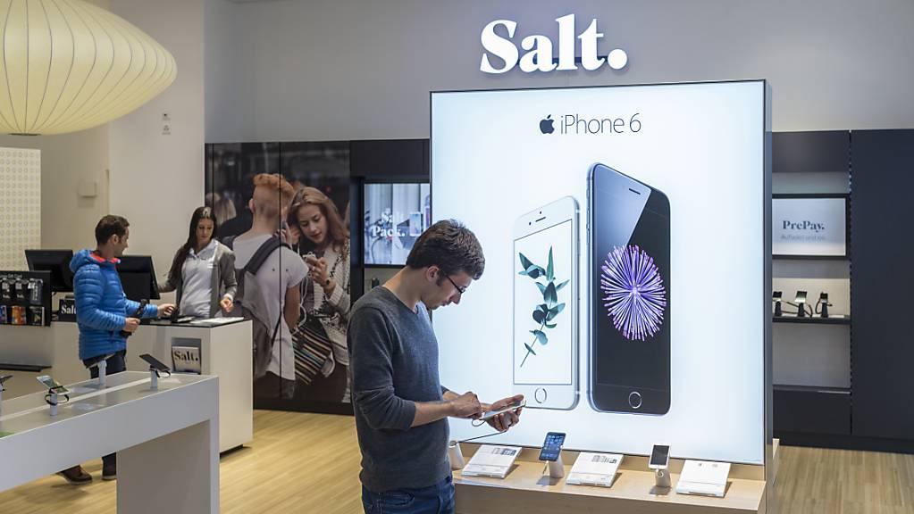 Salt muss für die Handyantennenmasten Miete zahlen, welche das Unternehmen im vergangenen Jahr an die spanische Cellnex veräussert hat. (Archivbild)
