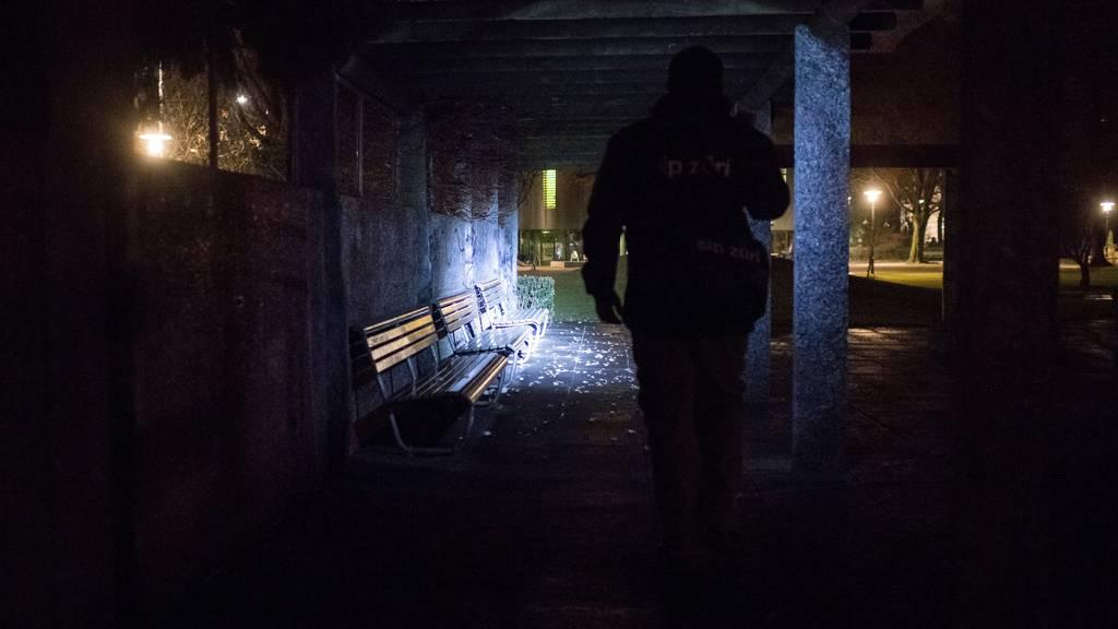 Mann bedroht 28-Jährigen und sticht ihn nieder