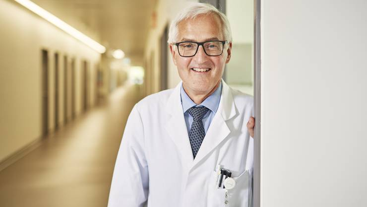 Nach 30 Jahren verliess Basil Caduff das Spital Limmattal. Der Chefarzt der medizinischen Klinik geht in Pension. Sein Nachfolger Alain Rudiger hat nun die Position angetreten.