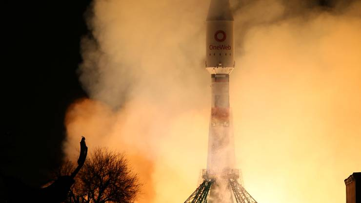 Noch am 21. März 2020 schickte OneWeb erfolgreich 34 Satelliten ins All.