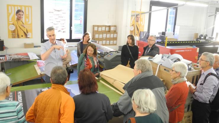 15 Personen nahmen an der Führung durch die Druckerei Wolfensberger in Birmensdorf teil.