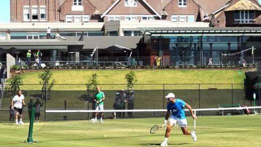 Federer und Wawrinka trainieren in Sydney