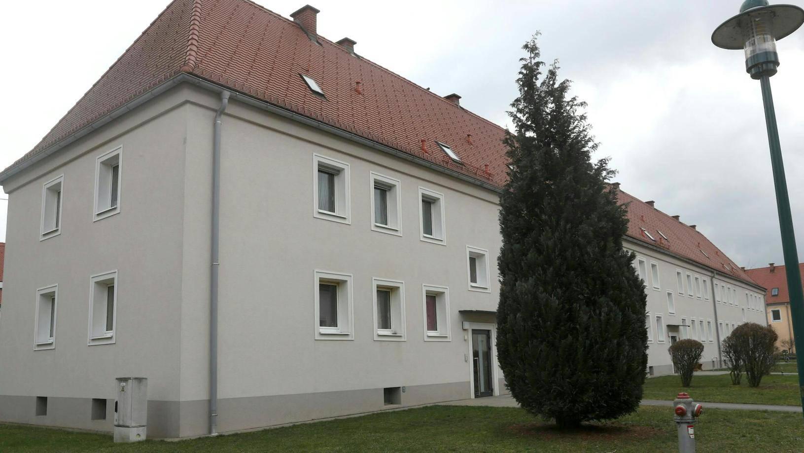 In diesem Haus in Steyr wurde die 16-Jährige in ihrem Zimmer erstochen.