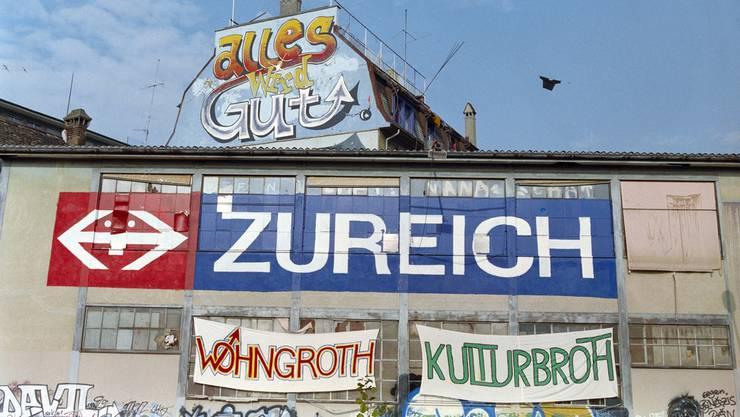Vor 25 Jahren wurde das besetzte Wohlgroth-Areal in Zürich von der Polizei gewaltsam geräumt.