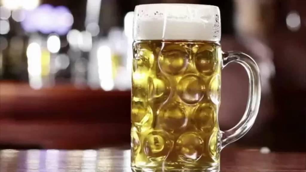 Eine kleine Brauerei aus Deutschland sucht verzweifelt Bierliebhaber.