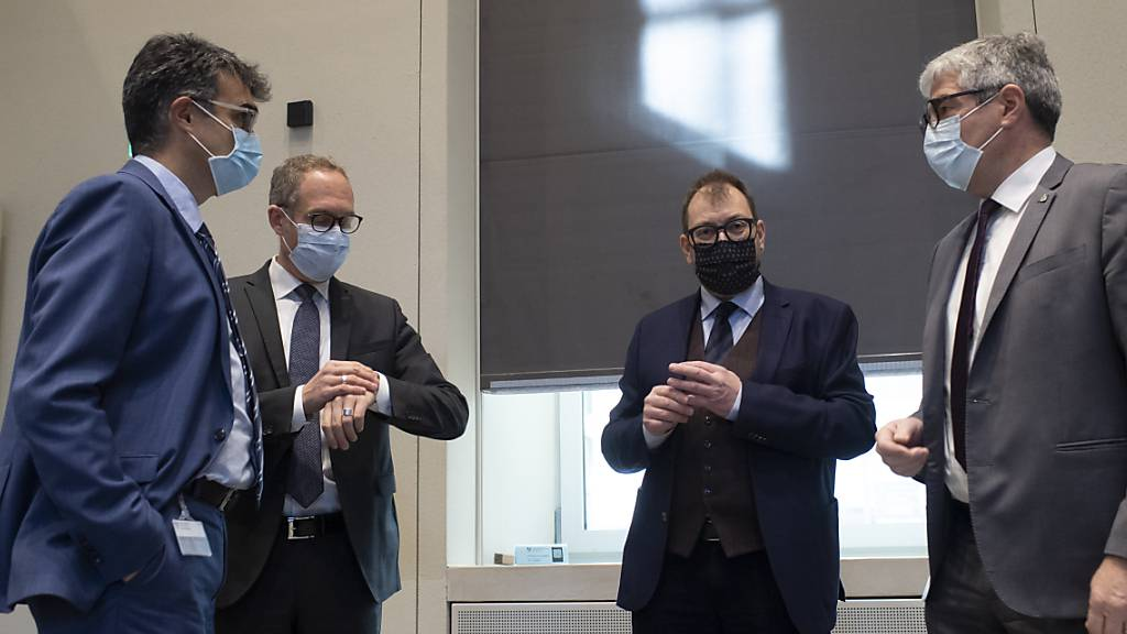 Die Bündner Regierung besteht zur Zeit nur aus Männern. Von links: Marcus Caduff (Mitte), Christian Rathgeb (FDP), Peter Peyer (SP) und Jon Domenic Parolini (Mitte). Nicht im Bild ist Mario Cavigelli (Mitte).