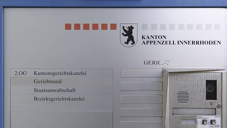 Das Bezirksgericht von Appenzell Innerrhoden wird sich mit der Anklage wegen mehrfacher Begünstigung gegen den ehemaligen Staatsanwalt Herbert Brogli befassen müssen.