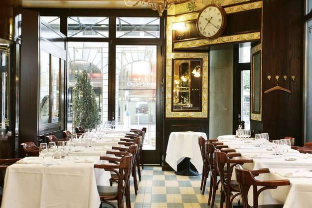 """Französische Menüs stehen hier im Zentrum und dazu gehört Sauerkraut ebenso wie Fruits de Mèr, Austern und ein kühles Bier. Das """"original Lipp"""" in Paris ist mittlerweile 135 Jahre alt und bereits seit 1990 auch in Zürich vertreten.  Uraniastr. 9, 8001 Zürich, 043 888 66 66, brasserie-lipp.ch"""