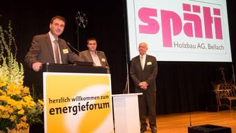 Energiepreis der Regio Energie Solothurn, die Co-Geschäftsführer Beat und Christoph Späti mit RES-Direktor Felix Strässle.
