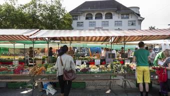 Der Markt auf dem Zürcher Helvetiaplatz.