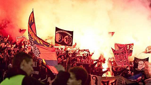 Beim Fussballspiel Basel gegen Zürich kam es zu Auseinandersetzungen
