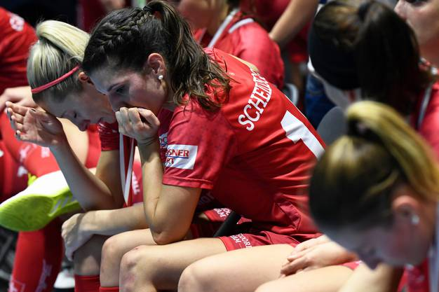 Enttäuschte Schweizer Frauen nach dem WM-Final.