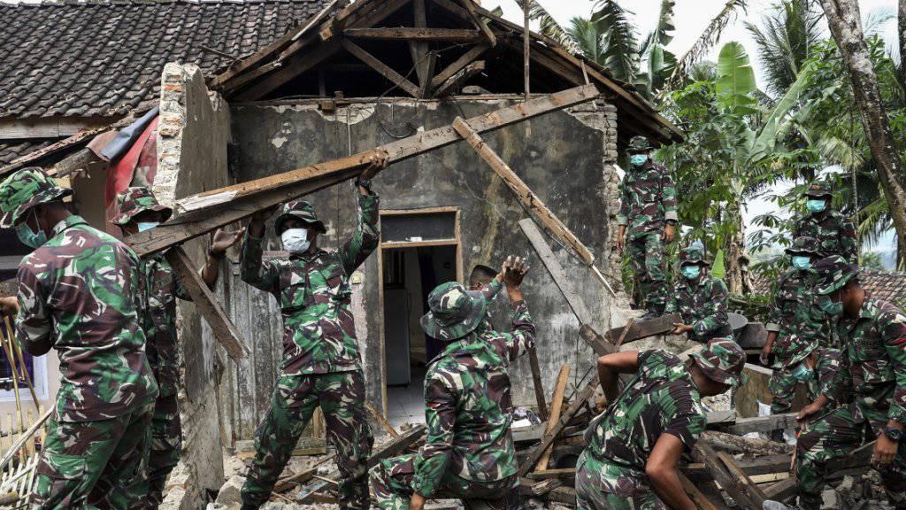 Mehrere Tote und Verletzte bei schwerem Erdbeben auf Java