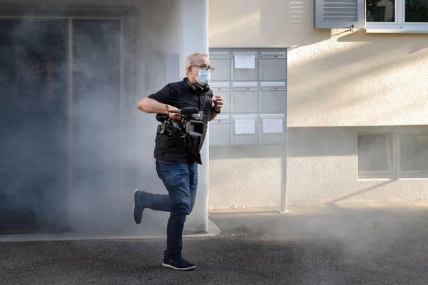 Regisseur und Kameramann Lukas Eggenberg in Aktion
