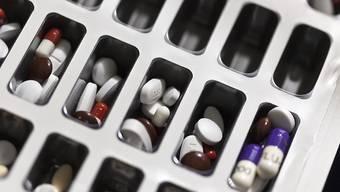 Zwei Medikamente gegen Altersblindheit – doch in der Schweiz wird praktisch nur eines verwendet. (Symbolbild)