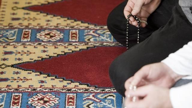 Die neue Union will eine moderate Stimme sein - Muslime beim Gebet (Symbolbild)