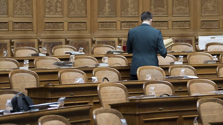 Vier abgewählte Bundesparlamentarier wollen nach dem Wegfall ihres Ratseinkommens eine Überbrückungshilfe des Bundes. (Symbolbild)