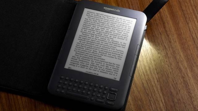 Das Amazon-Lesegerät Kindle für elektronische Bücher (Archiv)