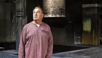 Mehr als drei Wochen nach dem Brand steht Marco Schnüriger in der Halle, die 31 Jahre lang sein Leben war.