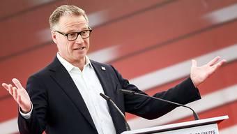 Erstmals in der laufenden SBB-Krise kritisieren Politiker sogar die SBB-Spitze und damit indirekt auch Chef Andreas Meyer