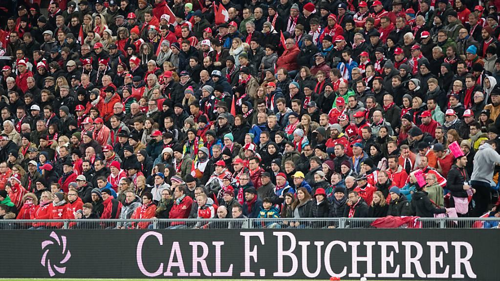 Das Schweizer Nationalteam erwartet gegen Italien ein ausverkauftes Basler Stadion, so wie letztmals hier am 12. November 2017 in der WM-Barrage gegen Nordirland