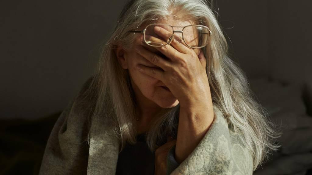 """Der Seniorenrat sagt, in der Schweiz lebe jede fünfte Person im Rentenalter in Armut oder sei armutsgefährdet. Es brauche deshalb """"endlich anständige Renten"""". (Symbolbild)"""