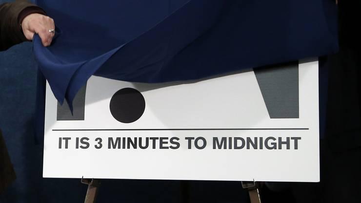 Drei Minuten bis Weltuntergang.