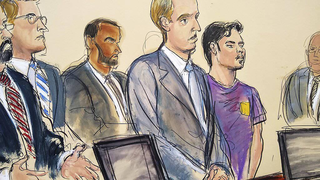 Der Terrorverdächtige (lila Shirt) bei einer Anhörung vor einem Bundesgericht in New York. (Gerichtszeichnung)