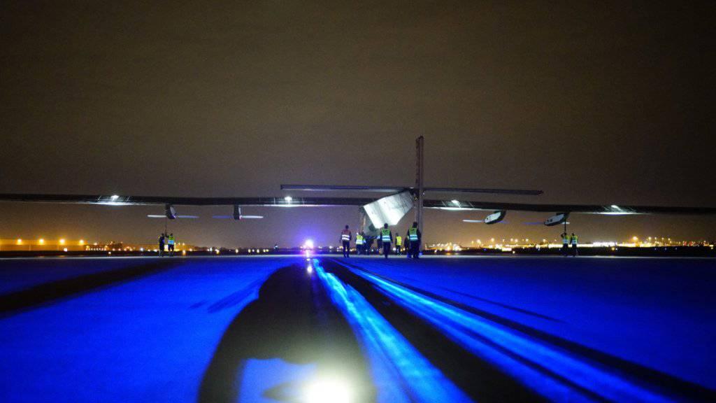 Der Zwischenstopp der «Solar Impilse 2» in Lehigh Valley dauert länger als geplant: Wegen schlechter Wetterprognosen verschoben die Projektleiter den Weiterflug.