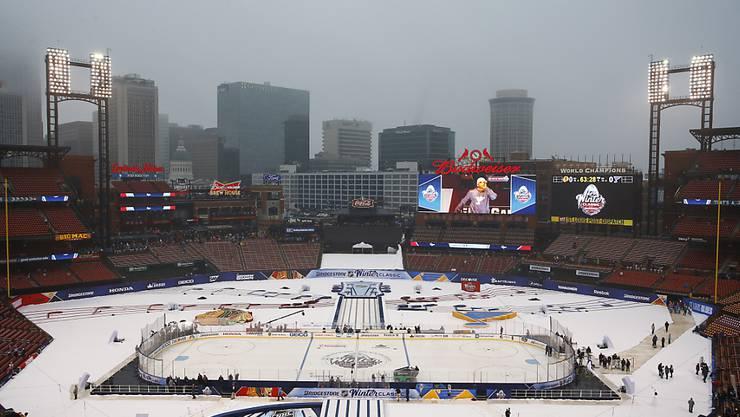 War Schauplatz der NHL Winter Classic vom 2. Januar zwischen den St. Louis Blues und den Chicago Blackhawks: das Busch Stadium