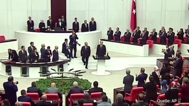 Erdogan als türkischer Staatspräsident vereidigt