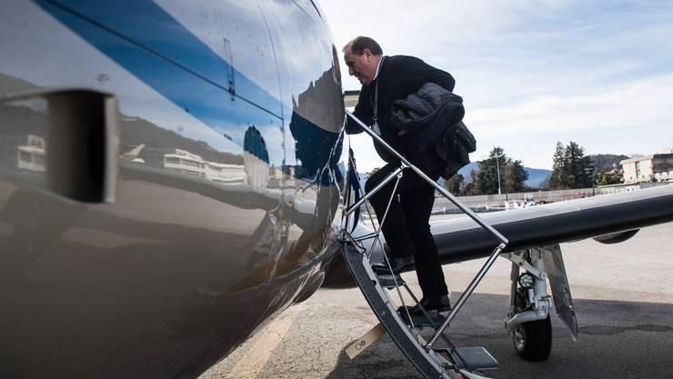 Bei der CO 2 -Abgabe für Privatflüge konnten sich die Räte bis jetzt nicht einigen. (Symbolbild)