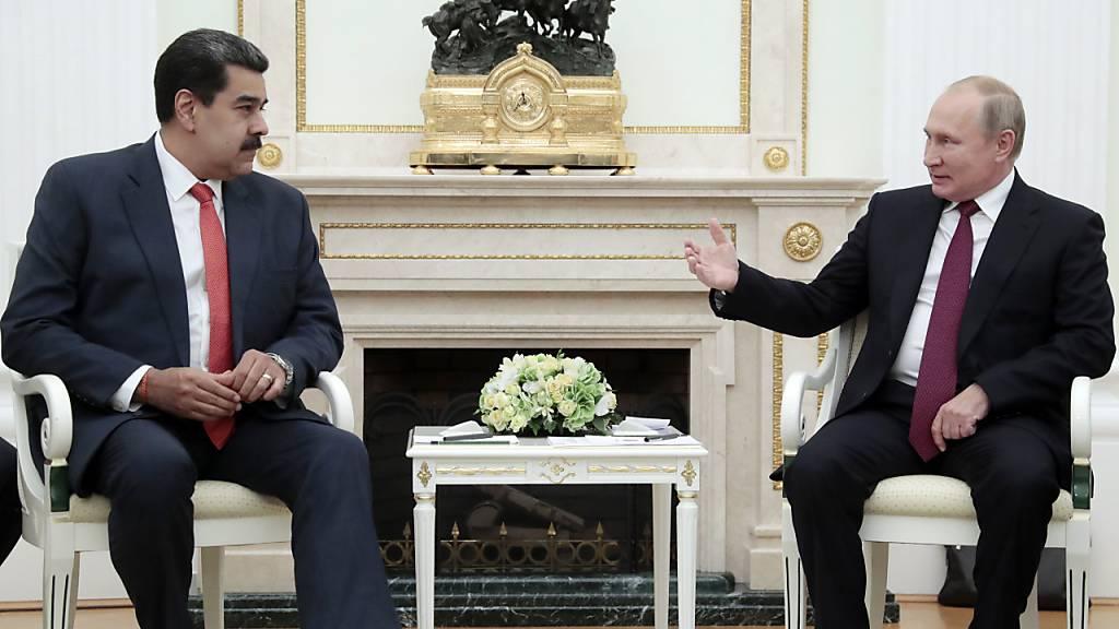 Machtkampf: Moskau sichert Maduro weitere Hilfe zu
