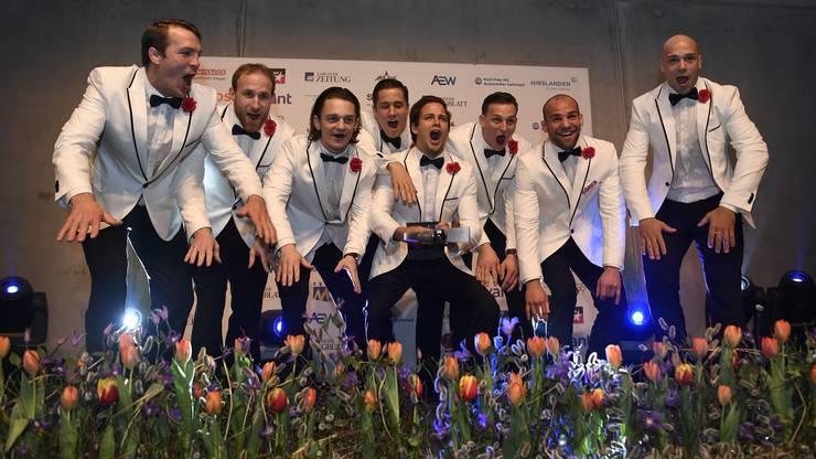 Das Judo Team aus Brugg feiert die Wahl zum Aargauer Sportler des Jahres 2016.