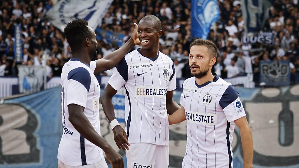 Assan Ceesay jubelt mit Antonio Marchesano und Ousmane Doumbia über das zweite seiner vier Tore