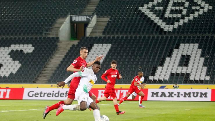 Im Mai könnte es in der deutschen Bundesliga wieder weitergehen - ohne Zuschauer