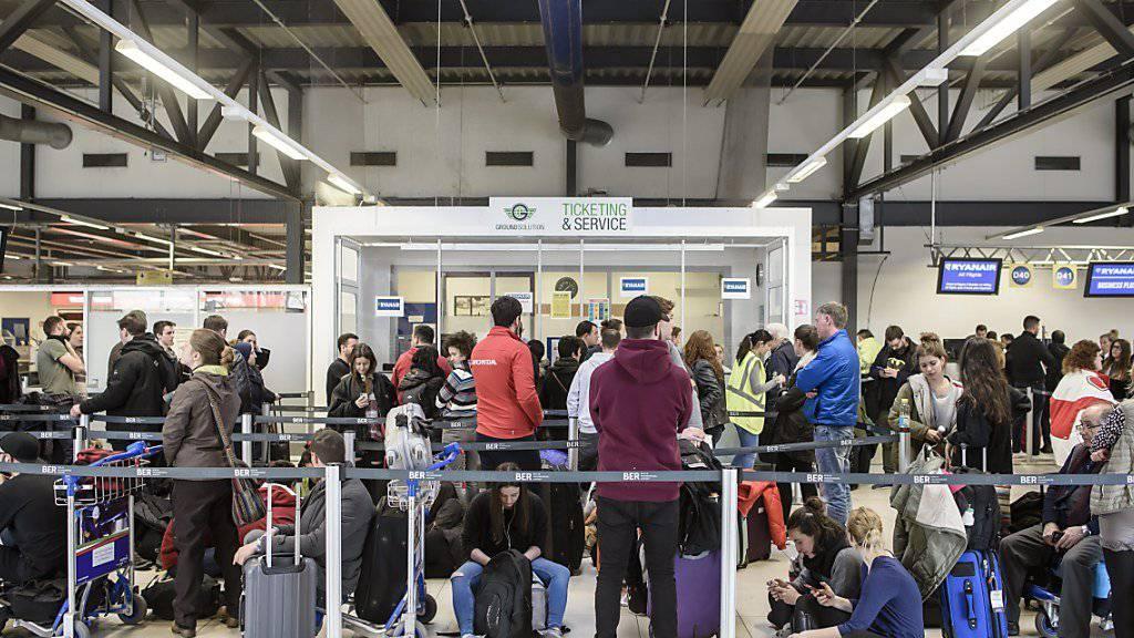 Am heutigen Montag soll es an Berliner Flughäfen zu Streikaktionen kommen. (Symbolbild)
