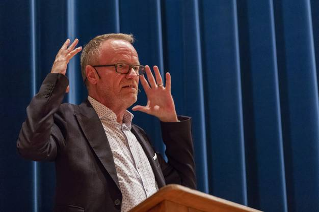 Nationalrat Hans Egloff (SVP) sprach sich für die Hornkuh-Initiative aus.