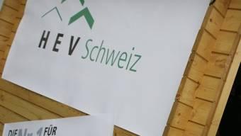 Der Hauseigentümerverband HEV steht hinter einer der Initiativen