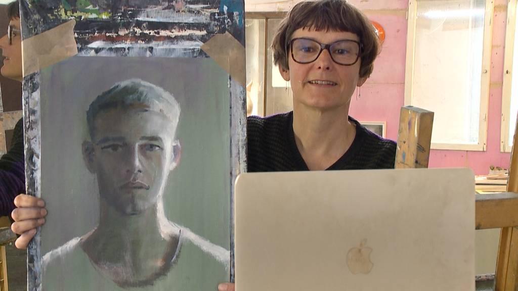 Künstlerin Andrea Muheim malt nun Portraits via Skype