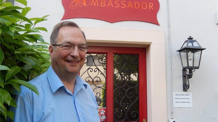 Mit Freundlichkeit holt Walter Im Obersteg Gäste in die Vorstadt.